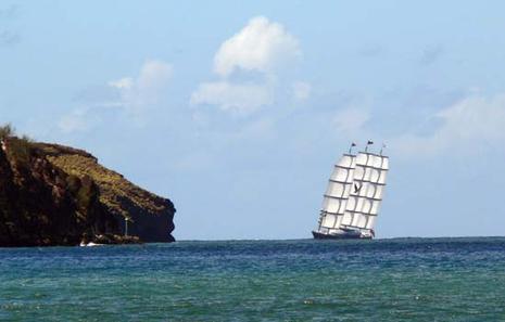 Le Maltese Falcon est à Taiohae, Nuku Hiva