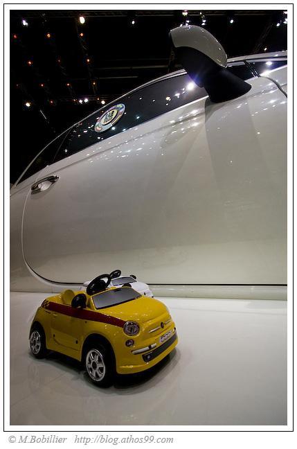 Fiat 500 de Gulliver et ses jouets