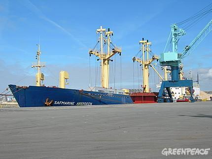 Pillage de bois: un autre bateau impliqué à La Rochelle