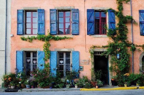 Le lauragais et ses couleurs paperblog for Couleur volets tendance