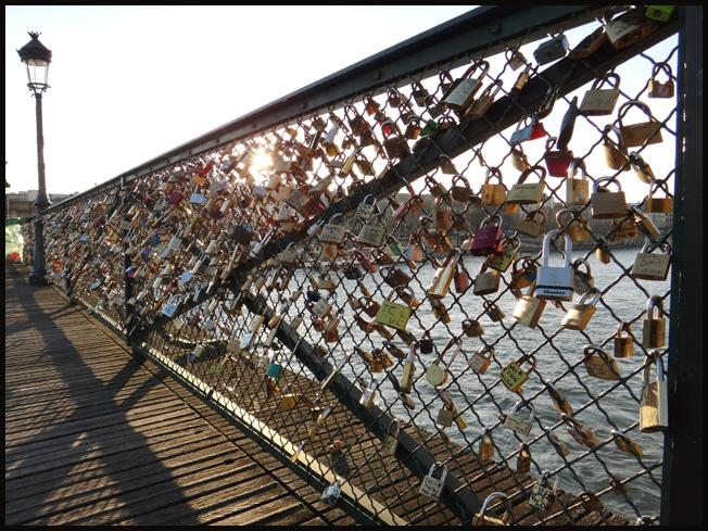 Paris et ses ponts amoureux paperblog - Le pont de lamour a paris ...