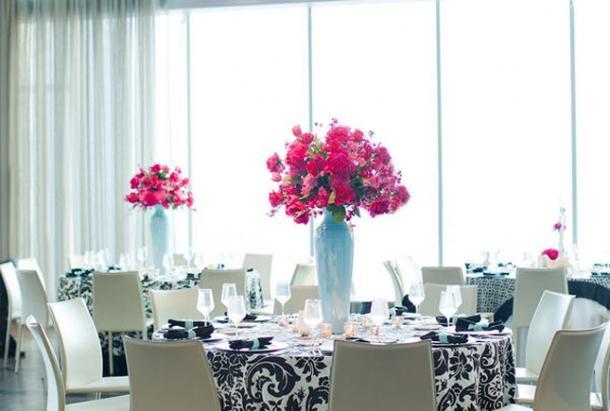 Decoration de mariage rose fushia et noir d couvrir for Deco de table noir et rose