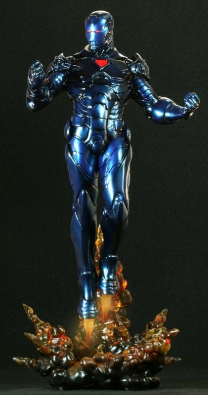 http://universmarvel.com/ftp/jerry/092008/Iron%20Man_Stealth_statue_bowen1.jpg