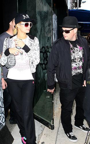 Paris Hilton en tournée avec Good Charlotte