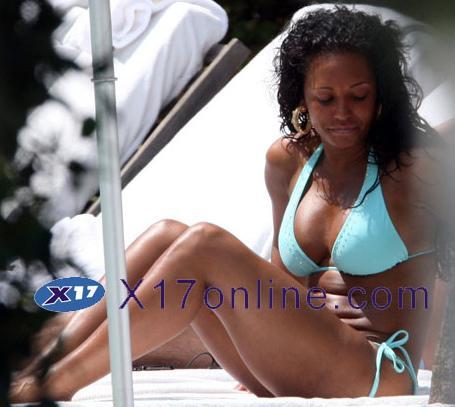Melanie Brown prenant du soleil à Miami avec son mari