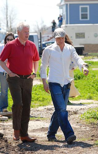 """Brad Pitt et l'ex-président Bill Clinton à la Nouvelle-Orléans pour faire la promotion du projet """"Make It Right"""""""
