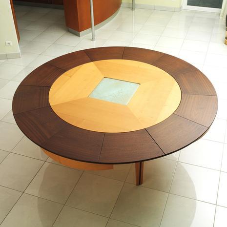 design house lancement de braun woodline la premi re table ronde extensible paperblog. Black Bedroom Furniture Sets. Home Design Ideas