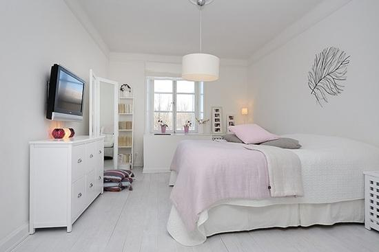 chambre scandinave rose decocrush_visite_deco_appartement_minimaliste_decoration_simple - Chambre Scandinave Rose