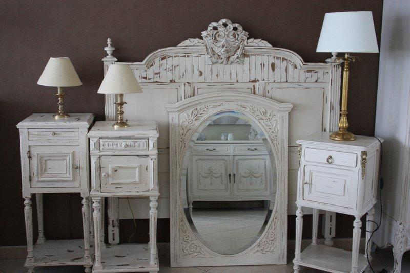 ensemble lit chevets et miroir henri 2 et chevet style empire paperblog. Black Bedroom Furniture Sets. Home Design Ideas