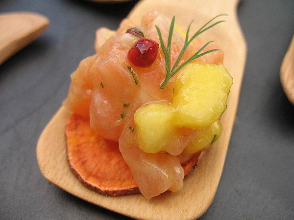 Tartare de saumon mangue sur chips de patate douce for Chips de patate douce au micro onde