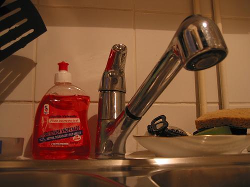 recette de liquide vaisselle comment le rendre plus efficace paperblog. Black Bedroom Furniture Sets. Home Design Ideas