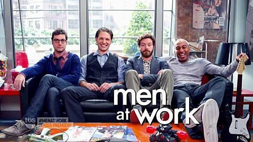 critiques-series-men-at-work-saison-1-pilot-L-wV wYc