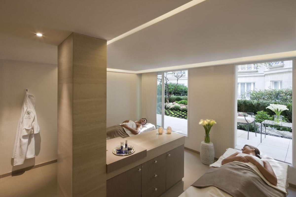le spa de luxe n 1 au monde le spa le bristol by la prairie paris lire. Black Bedroom Furniture Sets. Home Design Ideas