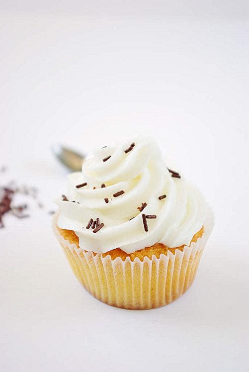 Cupcake-blanc-glacage-creme-au-beurre.jpg