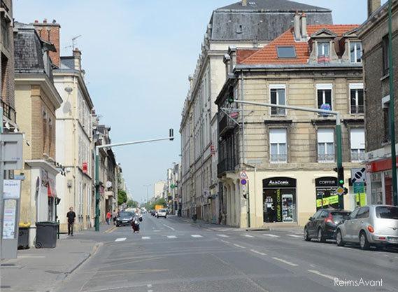 Avenue jean jaur s et le lyc e ponyme droite lire for Garage bobigny avenue jean jaures