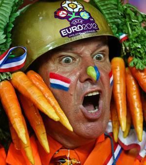 pour ouvrir le bal nous vous presentons le chef de l euro 2012 le general carotte 62125 w300 Euro de football 2012 | Au delà des matchs #5 : Supporters de l'Euro