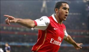 PSG prêt à concurrencer Chelsea pour Walcott ?