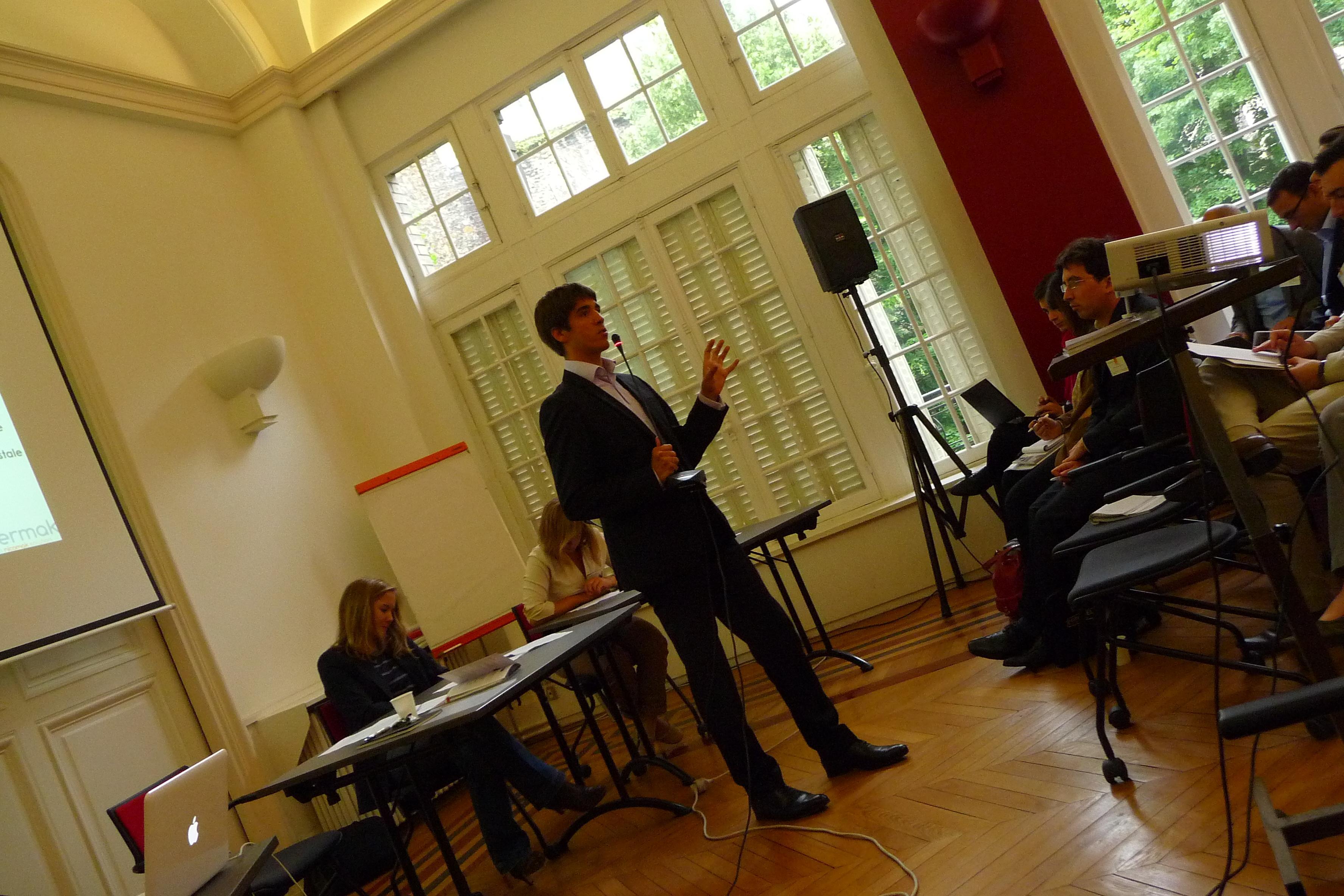 DialoguePP 120612.632 copie Dialoguer avec ses parties prenantes : Les photos de lÉvénement Nicomak !