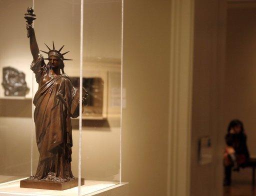 La statue de la libert du jardin du luxembourg retourn e - Statue de la liberte jardin du luxembourg ...