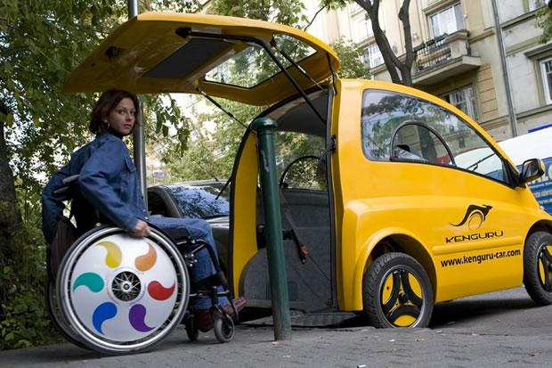 Kenguru, une voiture lectrique adapte aux personnes en fauteuil roulant