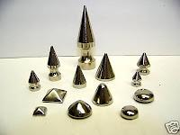 250 spikes studs screwback metal goth punk oi diy biker 250403250138 Customisation: les clous et pics