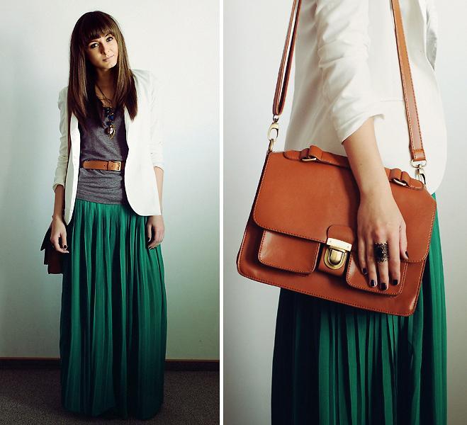 Les femmes de photos en mini-jupes 5