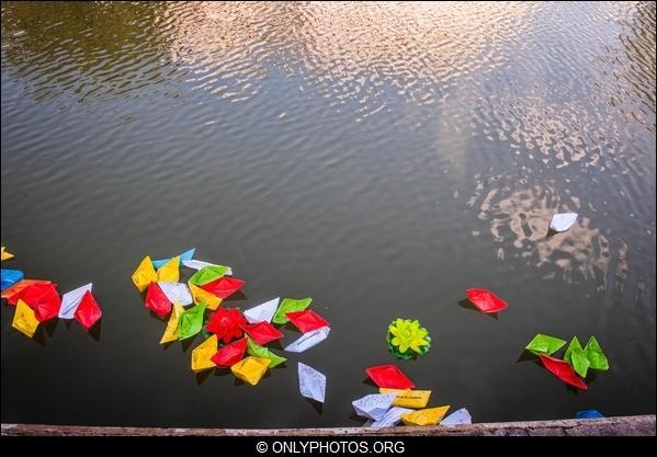 lacher-bateau-papier-paris-0011
