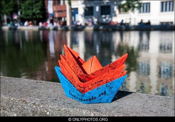 lacher-bateau-papier-paris-0002