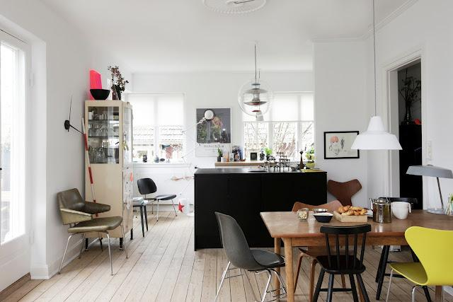 Visite privée: A colorful and retro home