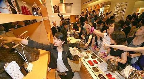 La boutique Vuitton de Nanjing en Chine continentale où la marque comptera 26 boutiques à la fin de l'année.