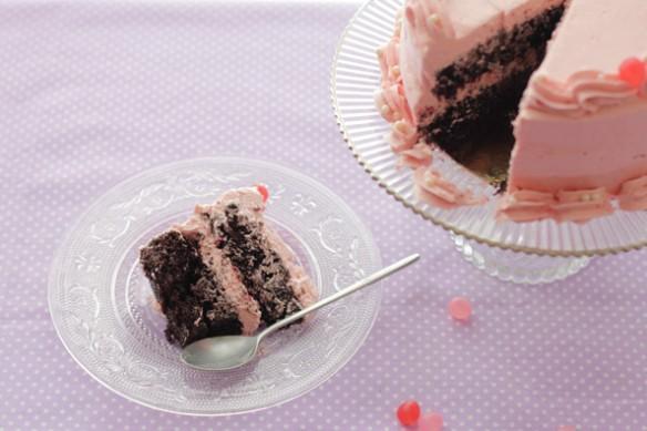 {joli gâteau} layer cake au chocolat et à la framboise