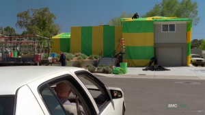 vlcsnap 2012 07 31 22h51m42s3 300x168 Breaking Bad S05E03 : Hazard Pay