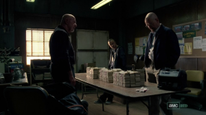 vlcsnap 2012 07 31 23h12m17s45 300x168 Breaking Bad S05E03 : Hazard Pay