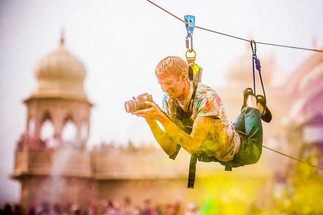 http://media.paperblog.fr/i/572/5721111/thomas-hawk-holi-festival-of-colors-L-nuyZOh.jpeg