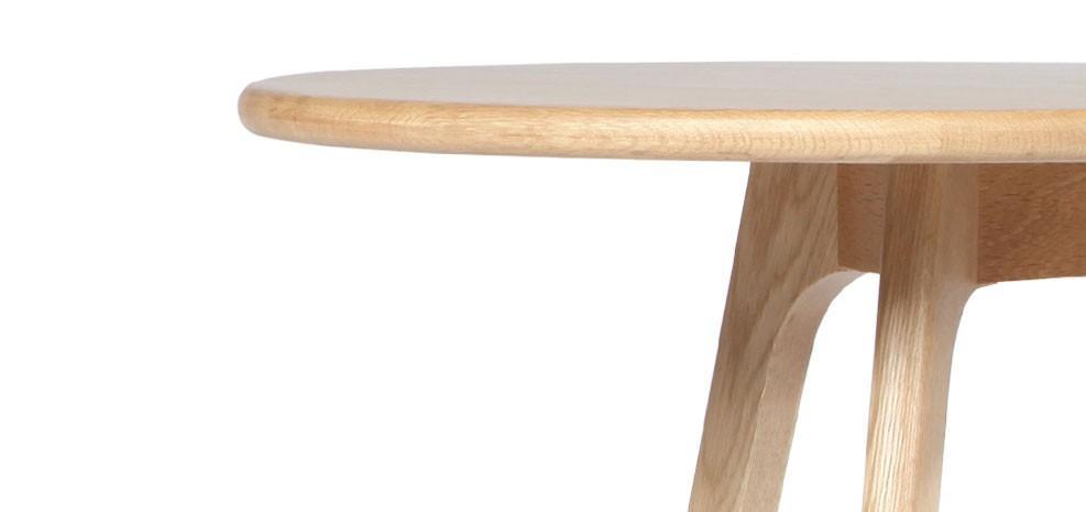 vente priv e num ro 33 la table basse en ch ne native ronde lire. Black Bedroom Furniture Sets. Home Design Ideas