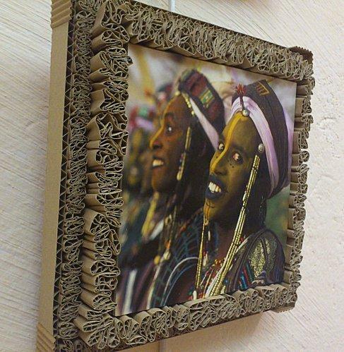 encadrement en dentelle de carton portrait d 39 afrique paperblog. Black Bedroom Furniture Sets. Home Design Ideas