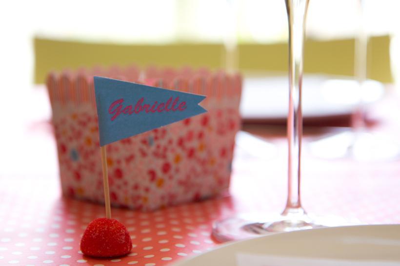 ma sweet table pour les 2 ans de mademoiselle d couvrir. Black Bedroom Furniture Sets. Home Design Ideas