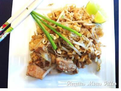 La recette porc pad thai au porc paperblog - Recette cuisine thailandaise traditionnelle ...