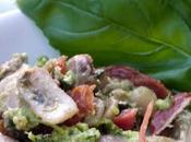 Salade d'haricots coco pistou (basilic, pignons, citron vert) chorizo croustillant.