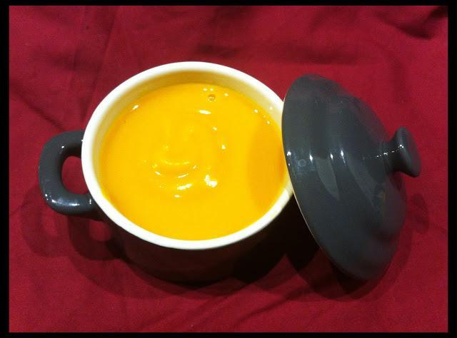 Soupe de potimarron au lait de coco lire - Soupe potiron lait de coco curry ...