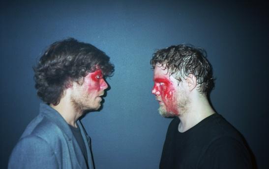 http://media.paperblog.fr/i/585/5856868/narco-terror-chronologies-rouges-folies-sceni-L-ZkktUS.jpeg