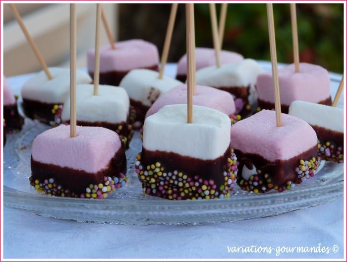 Sucettes de chamallows au chocolat by lisa paperblog - Sucette au chocolat ...