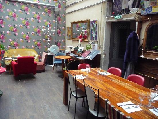 Visite d co le restaurant le derri re paperblog for Deco resto