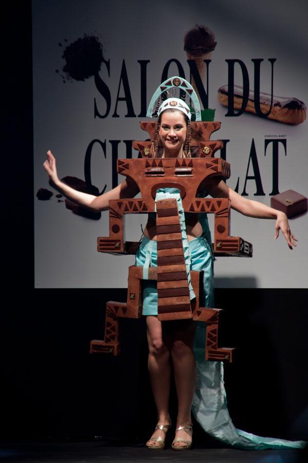 Le d fil de robes en chocolat salon du chocolat lyon for Salon etudiant grenoble
