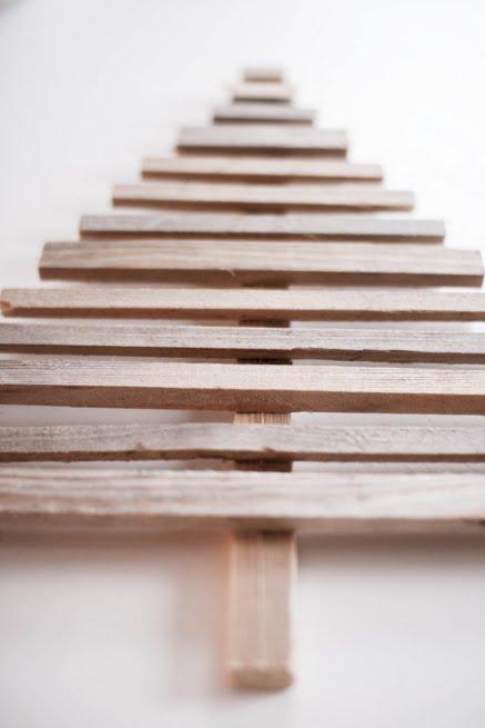 Fabriquer votre sapin de Noël en bois recyclé  Truc et Astuces  A La Une