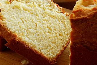 cake moelleux au fromage blanc et fleur d 39 oranger ou comment liquider les jaunes d 39 oeufs. Black Bedroom Furniture Sets. Home Design Ideas