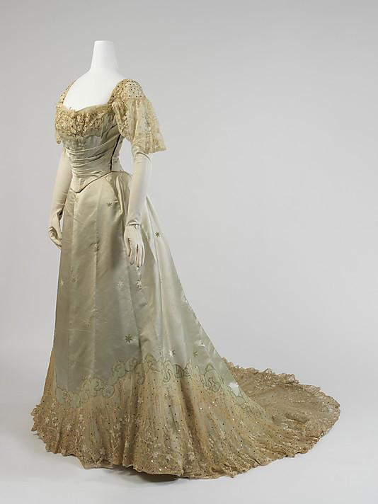 Evening-dress-House-of-Worth-1899.jpg