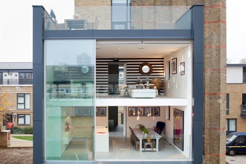 u design un chteau dueau rhabilit en maison cube moderne londres with maison cube design