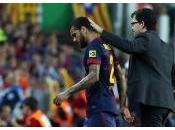 Barcelone Dani Alves deux trois semaines d'indisponibilité