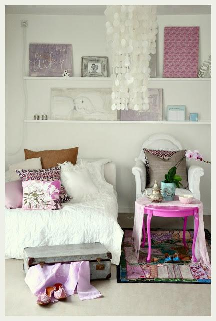 inspiration d co un joli petit salon indien et romantique voir. Black Bedroom Furniture Sets. Home Design Ideas